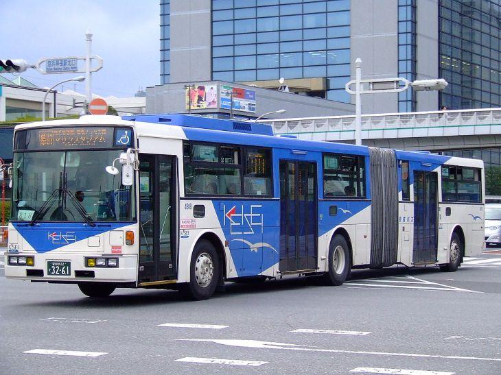 1200px-Keiseibus-twinbus-20071013.jpg